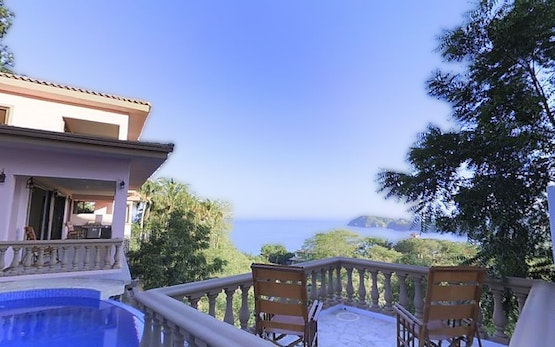 Flamingo Beach Villa