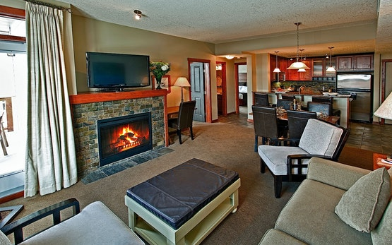2 Bedroom Luxury Suite at the Blackstone Mountain Lodge