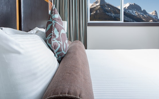 Clique Hotels & Resorts - Canmore Ab