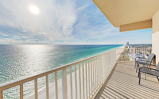 New Listing! All-Suite Beach Tidewater Condo