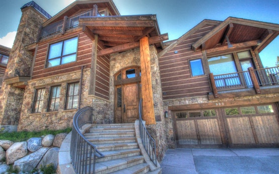Luxury Lewis Ranch Lodge
