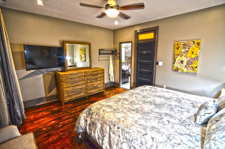 Luxury Vacation Rental Flat | Washington, DC | 130 Southeast ...