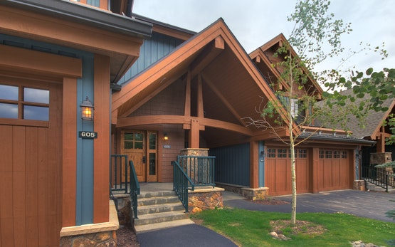 Slopeside Summer Escape Sleeps 6 - Short walk to downtown!
