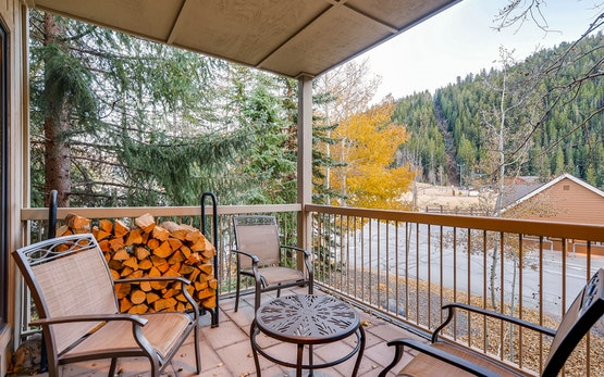 3Br Condo Chateaux Dumont 2724 ~Kids Ski Free! Walk to Lift