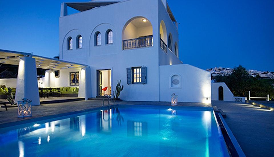 Luxury Vacation Rental Home Santorini Pyrgos Sky Villa